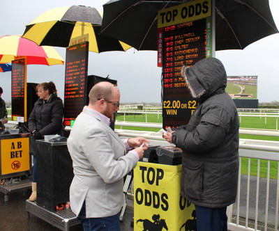 betting at aintree racecourse 2